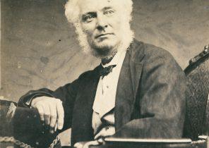 Dr Alexander Hunter